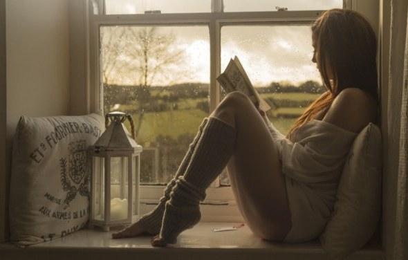 portrait-reading-window-woman-Favim.com-3418701